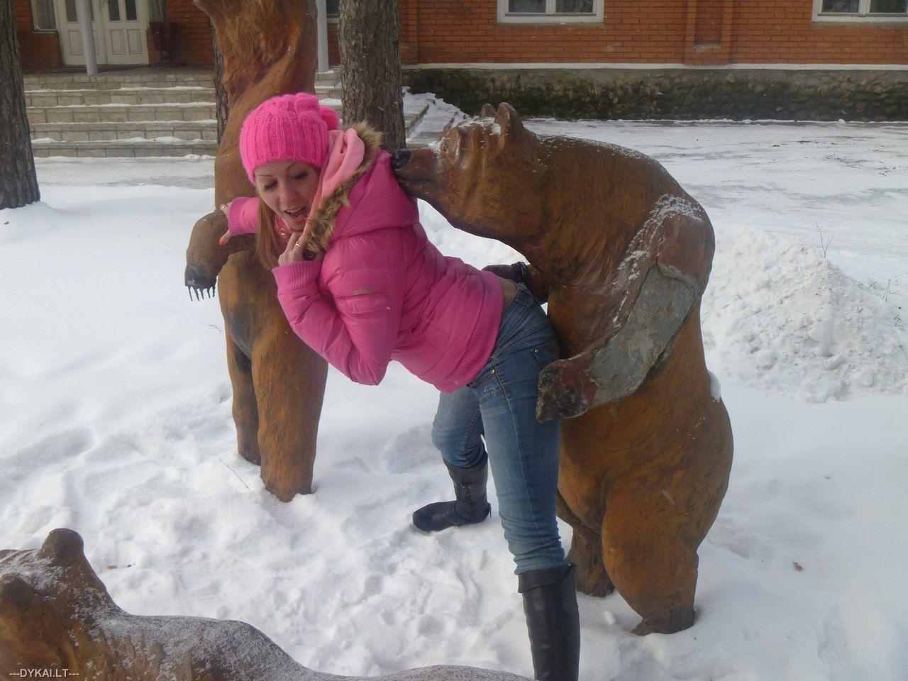 Секс человека и медведя 6 фотография