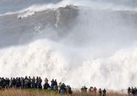 Rinkiniai: Serfingas ant 24m bangų