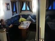 4. Gyvenimas laive audros metu