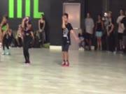 2. Vienuolikmečio šokis pagal Lady Gaga dainą