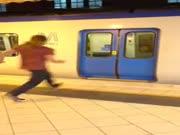 4. Kaip į traukinį įlipa 80 lvl keleivis