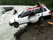 3. Automobilio perkėlimas kanatu per kalnų upę