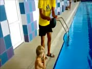 4. Geriausias būdas uždėti plaukimo kepurę