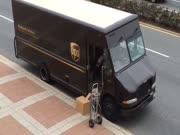 2. Siųsti per UPS - blogiausias pasirinkimas