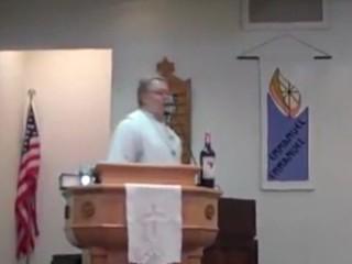 4. Kai kunigui futbolas svarbiau už tarnystę
