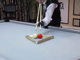 1. Magija ant pulo stalo