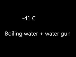 3. Šaudymas vandeniu šaltyje