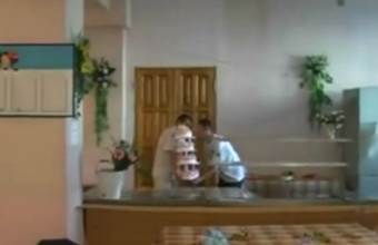 1. O štai ir vestuvinis tortas!