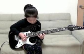 3. Li-sa-X aštuonmetė gitaristė iš Japonijos