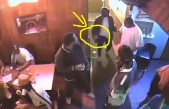 3. Užėjo su ginklu į barą